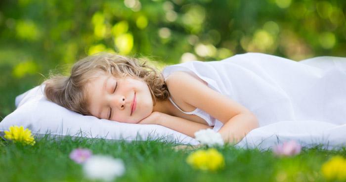 matratzen eingebettet in den schlaf matratzen. Black Bedroom Furniture Sets. Home Design Ideas
